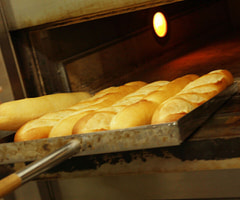 パンの製造補助スタッフ