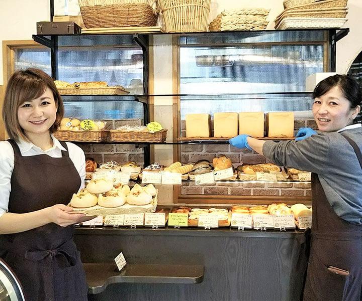 【蔵日和】パンの販売及びカフェ・サービススタッフ
